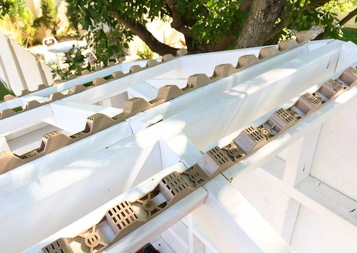 Gartenspielhaus Dach Acrylplatten montieren