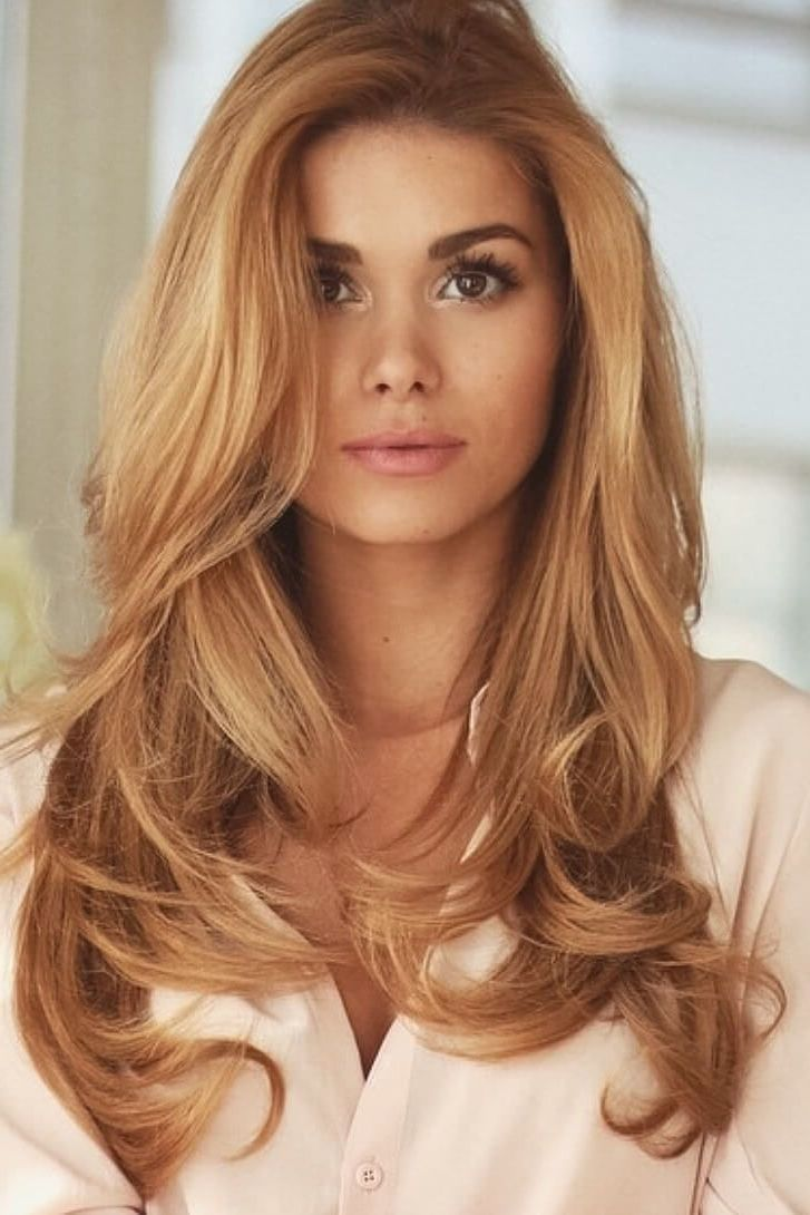 Strawberry Blond - Frisuren Ideen helles Blond Haarfarbe