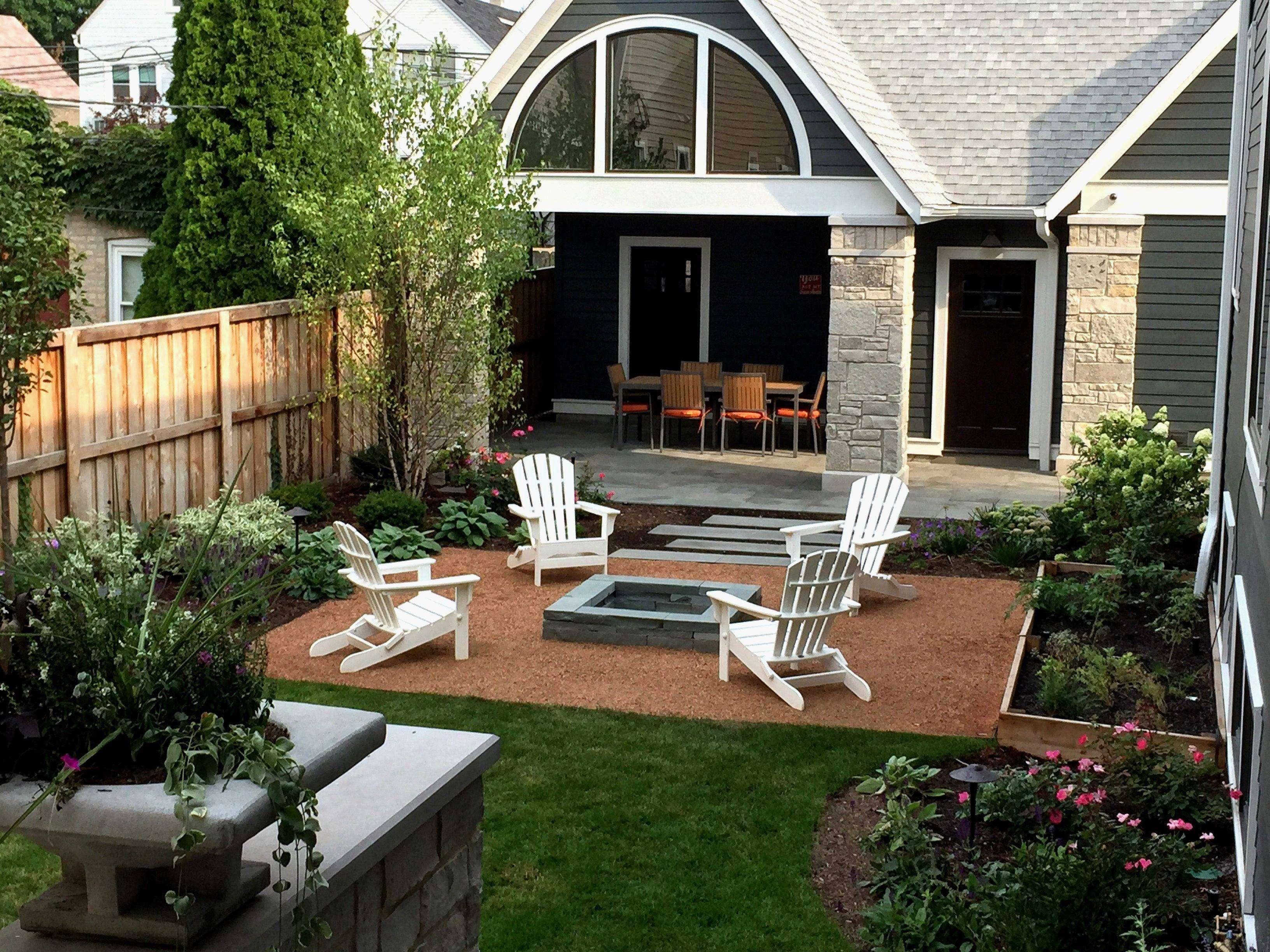 Vorgartengestaltung modern Terrasse hoher Zaun