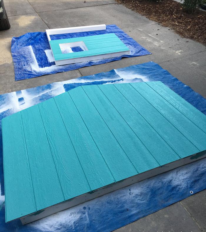 Stelzenhaus Wände streichen Türkisblau