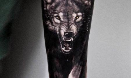 Wolf Tattoo knurrend 3D origineller Look