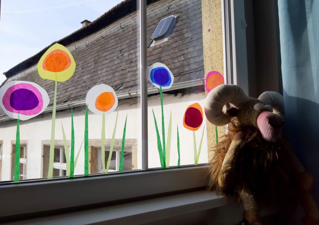 Blumen basteln mit Kindern Fensterbild