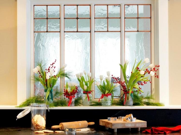 Dekoideen Fenster frische Frühlingsblumen