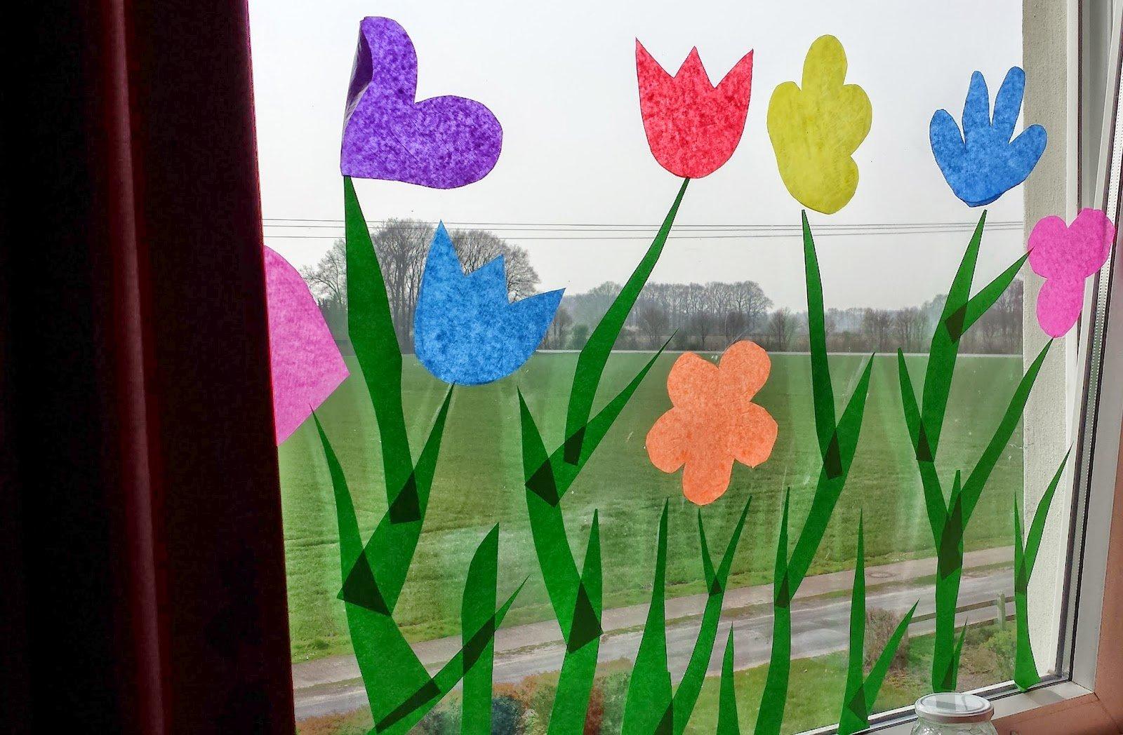 Fensterbild gestalten Blumen Papier