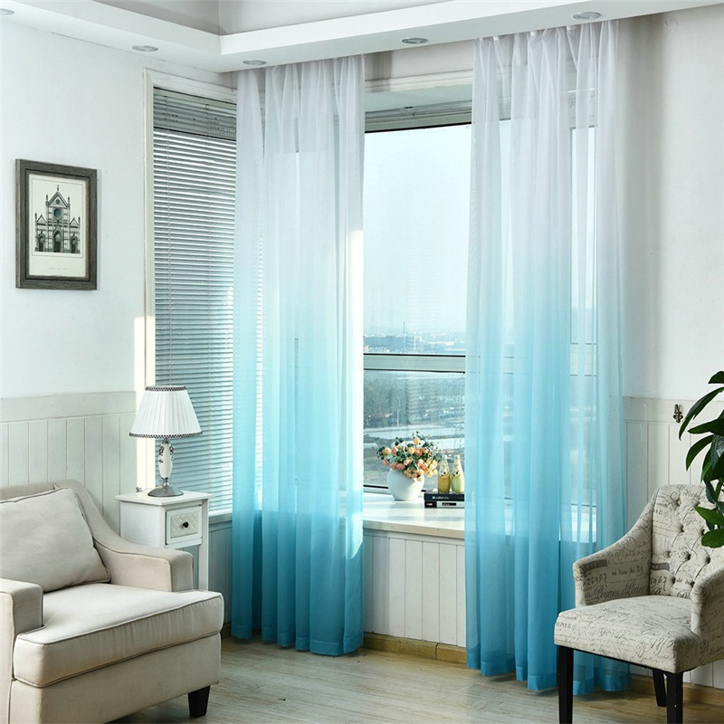 moderne Gardinen mit Farbverlauf Blau und Weiß