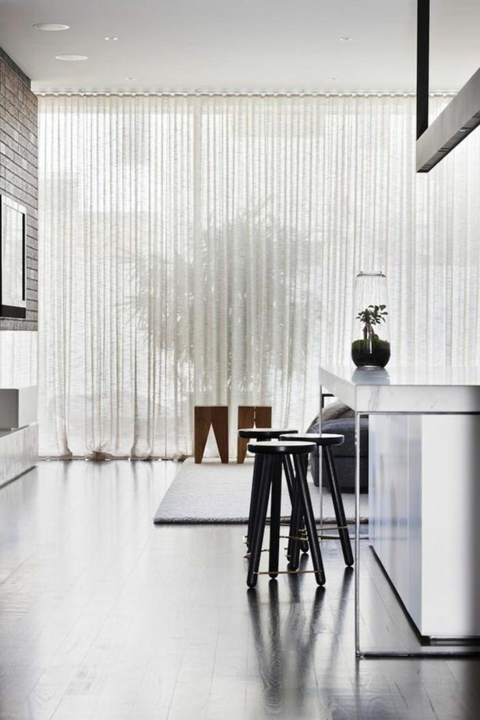 moderne Gardinen in Weiß durchsichtig