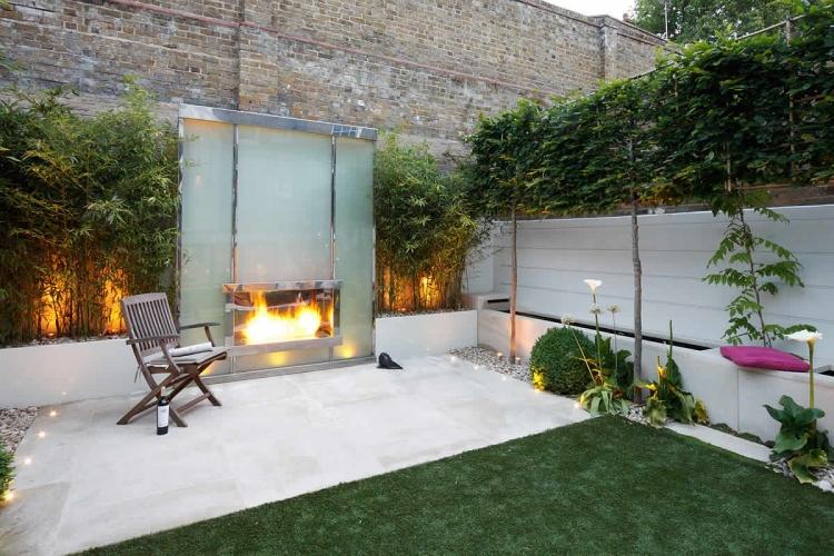 Garten mit Outdoor Kamin