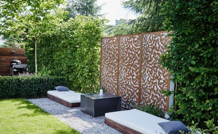 Gartengestaltung modern Sichtschutz Zaun Cortenstahl