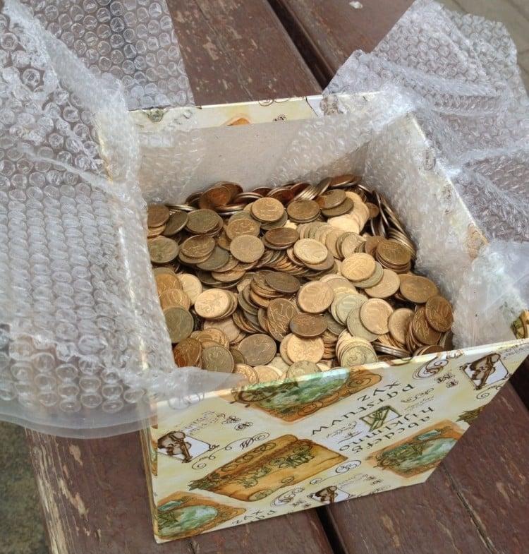 Geldgeschenke originell verpacken Münzen Geschenkbox