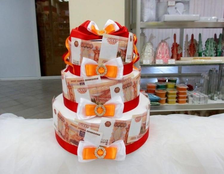 Geldgeschenke originell verpacken Torte