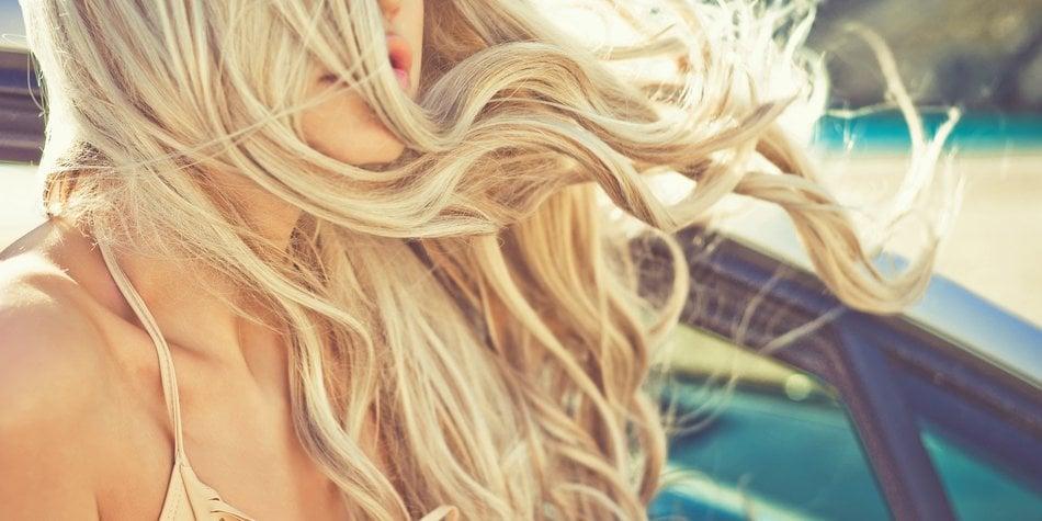 Haarspray gegen trockene Haare Strand