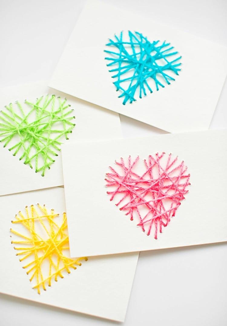 Herz aus Garn gestalten Grußkarte