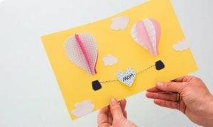 Karte Muttertag basteln tolle Idee Heißluftballons 3D