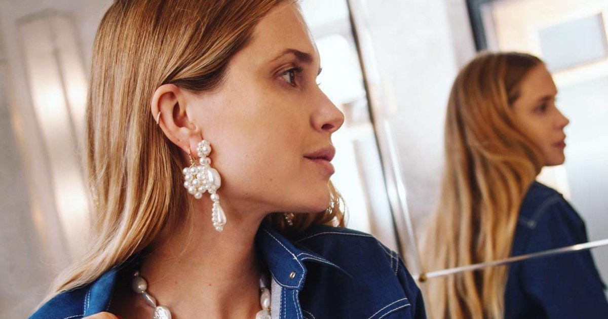 Schmuck-Trends 2019 Perlenschmuck auffällige Ohrringe