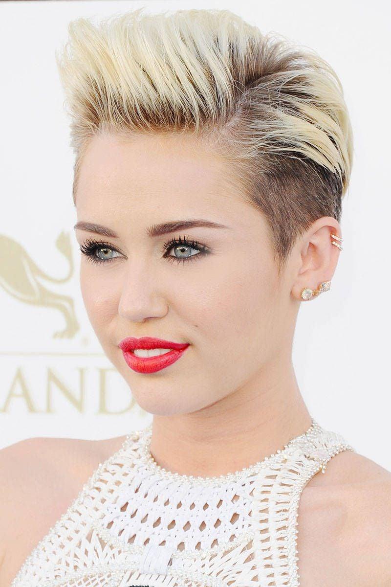 Pixie Cut mit Tolle Miley Cyrus