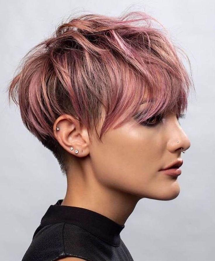 Pixie Cut Haarfarbe Rosa wirklich modern