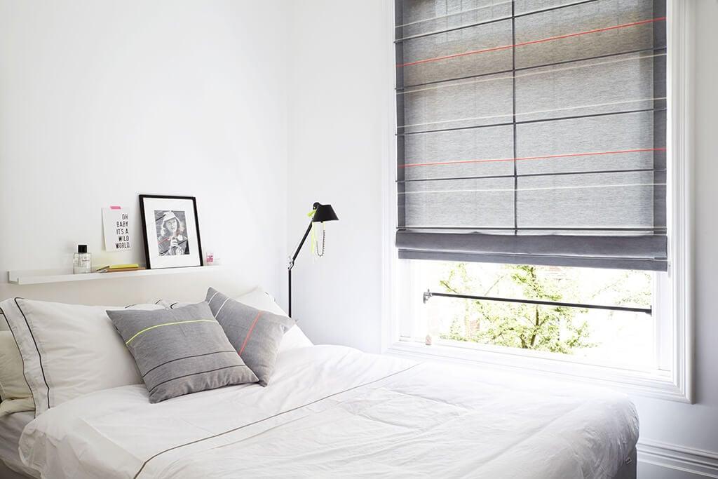 Schlafzimmer Dunkelheit schaffen Rollos Fenster