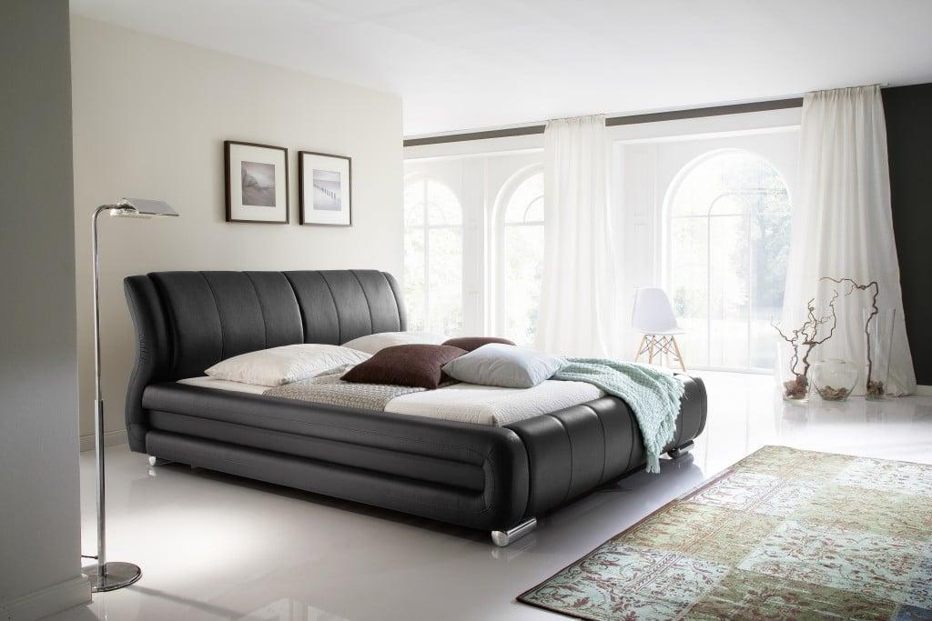 Schlafzimmer Bett groß bequem Lederpolsterung