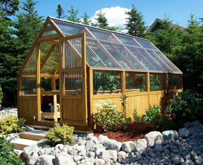 Gewächshaus selber bauen Konstruktion aus Holz Glasscheiben