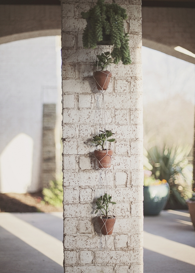 Makramee Blumenampel als Wohnaccessoire Terrasse