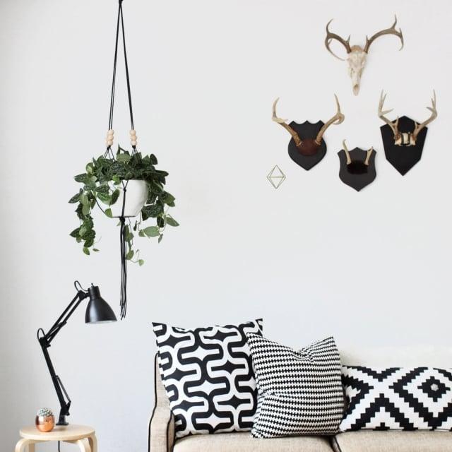 Makramee Blumenampel Wohnzimmer gemütliche Atmosphäre