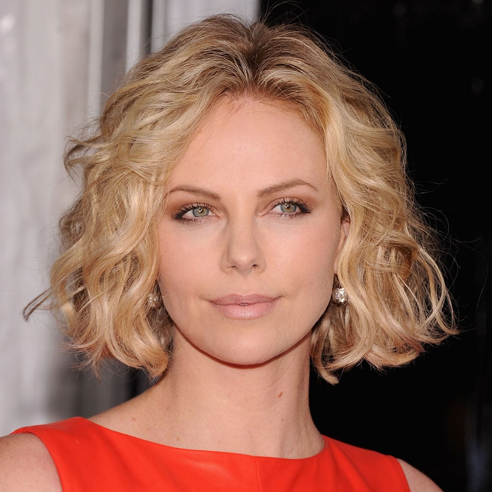 moderne Damenfrisuren lockig Charlize Theron