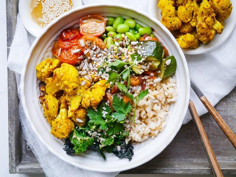 Buddha Bowl Rezepte Reis mit Gemüse