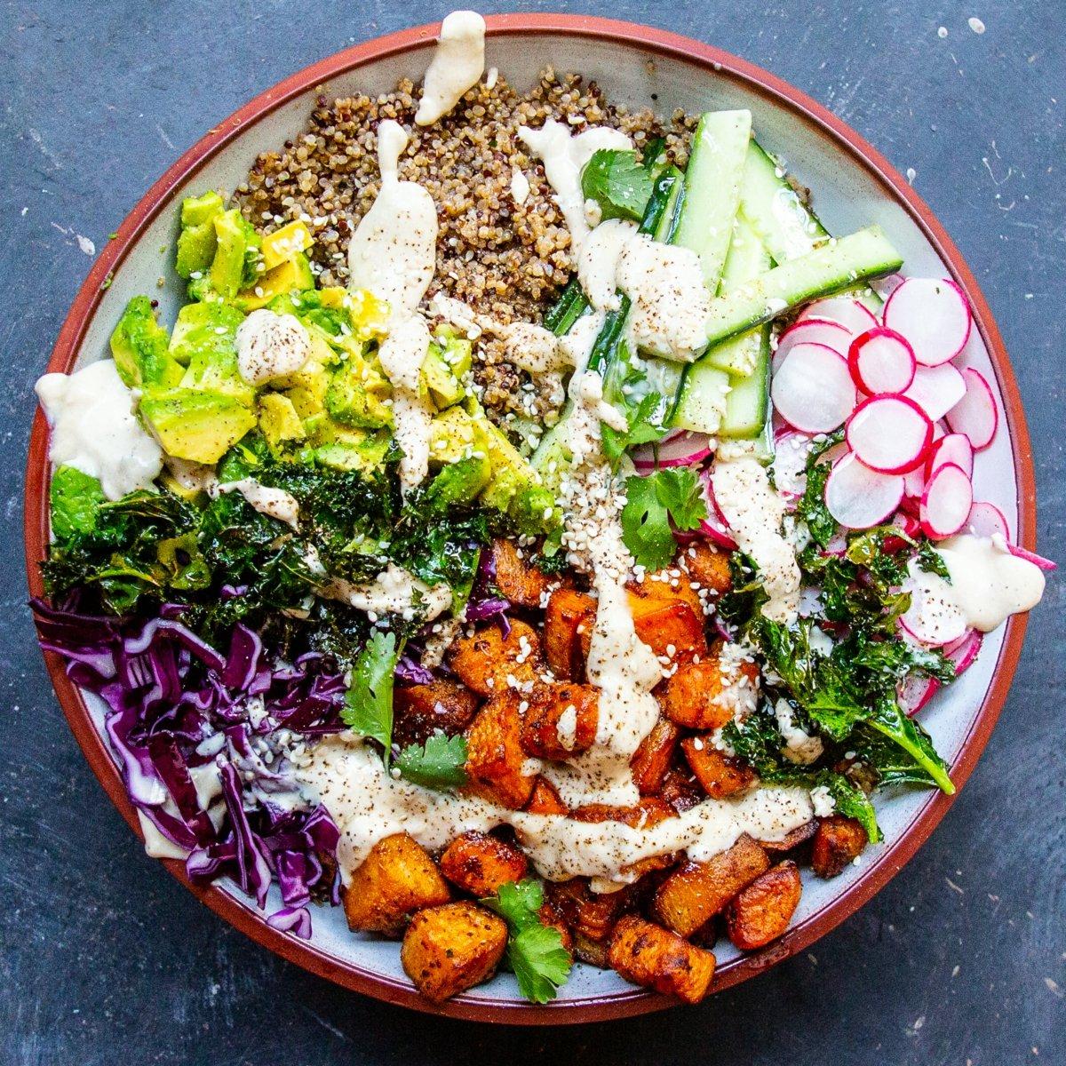 Buddha Bowl Rezepte Salat Quinoa Dip lecker