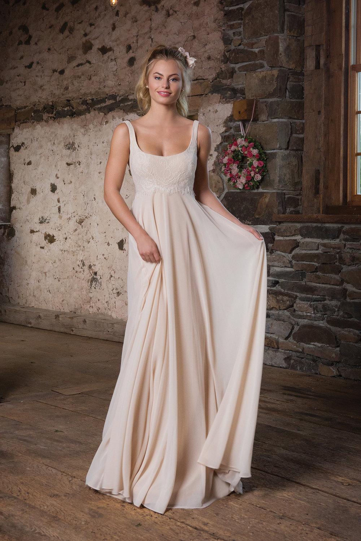 langes Hochzeitskleid casual romantisch