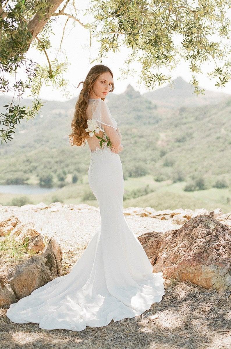 Hochzeitskleid eng kurze Ärmel herrlicher Look
