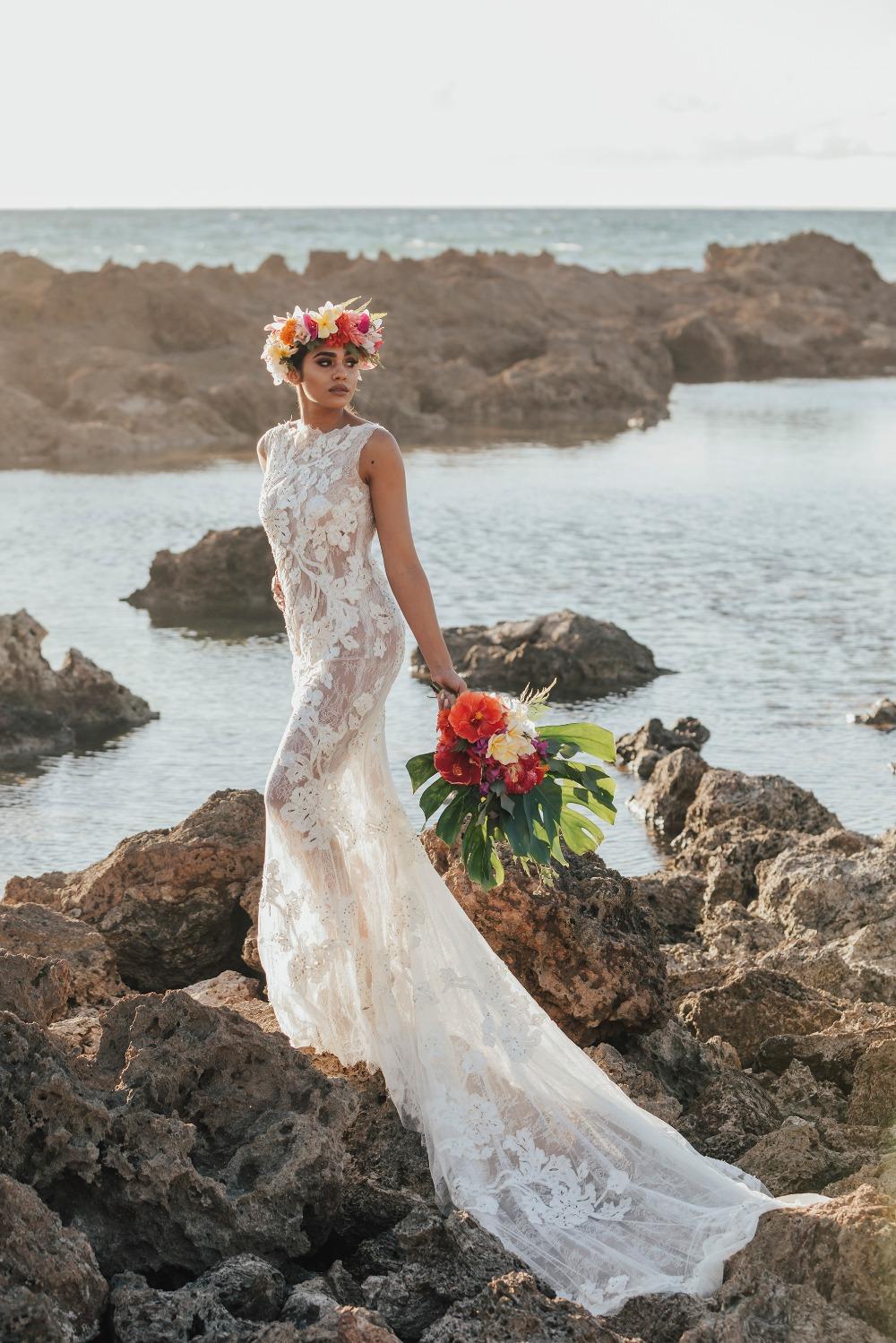 Hochzeitskleid Spitze transparent sehr lang romentisch