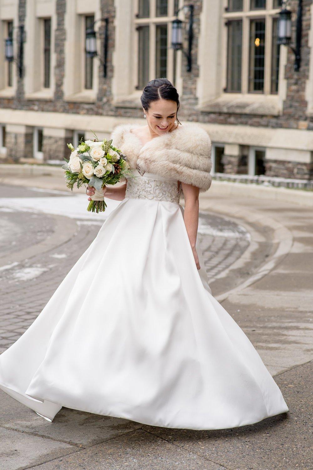 prachtvolles Hochzeitskleid Winter romantisch