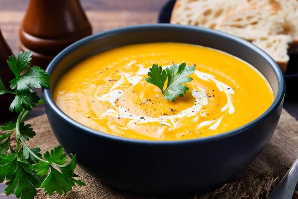 Cremesuppe Gemüse leichtes Abendessen