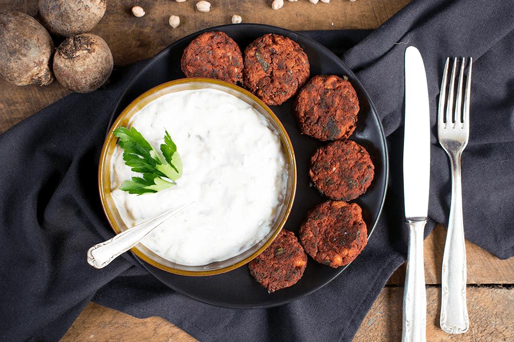 Fingerfood Rezepte vegane Falafel mit Sahnesoße