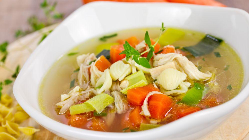 Hühnersuppe mit Gemüse glutenfrei