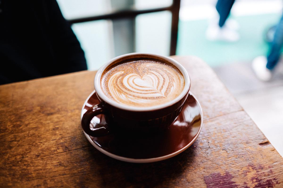Latte trinken Milch herrlicher Look