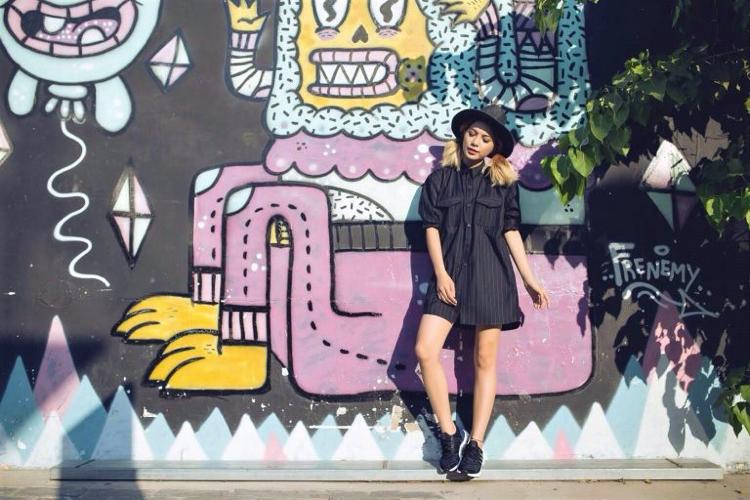Adidas NMD Damen kombinieren Hut Jeanshemd
