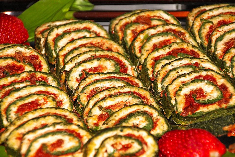vegane Rollen Spinat Couscous Tomate