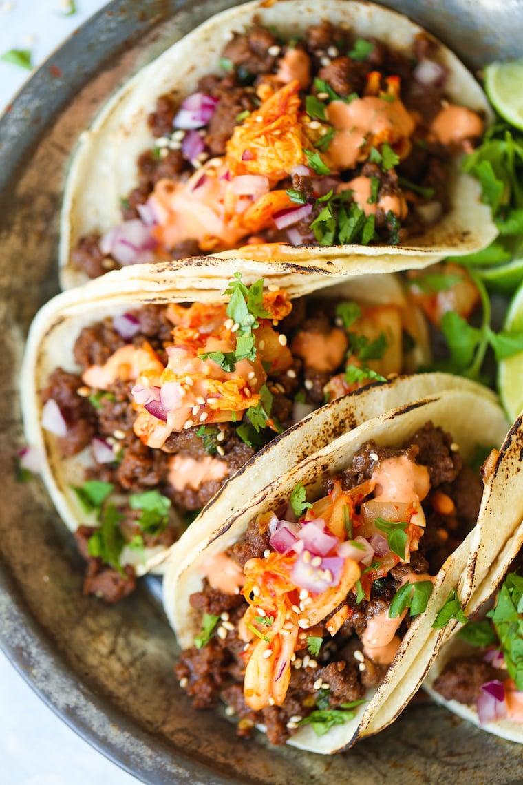 leichtes Abendessen leckere Tacos mit Hähnchen