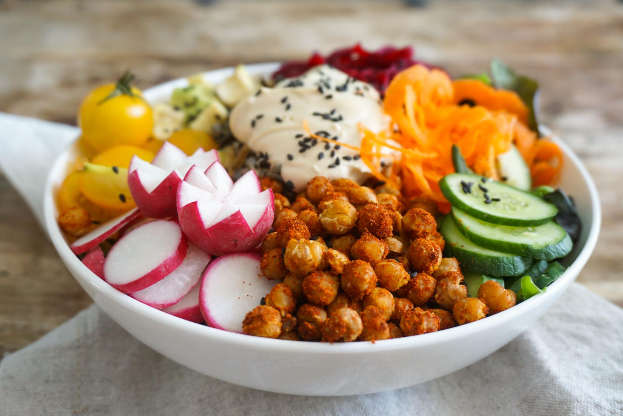 Buddha Bowl Rezepte Dip Kichererbsen Radieschen