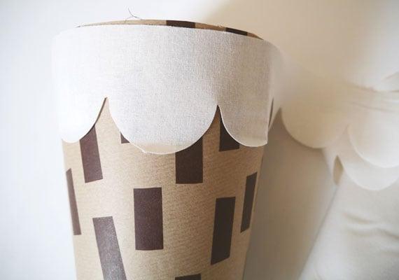 Schultüte basteln aus Stoff und Papier