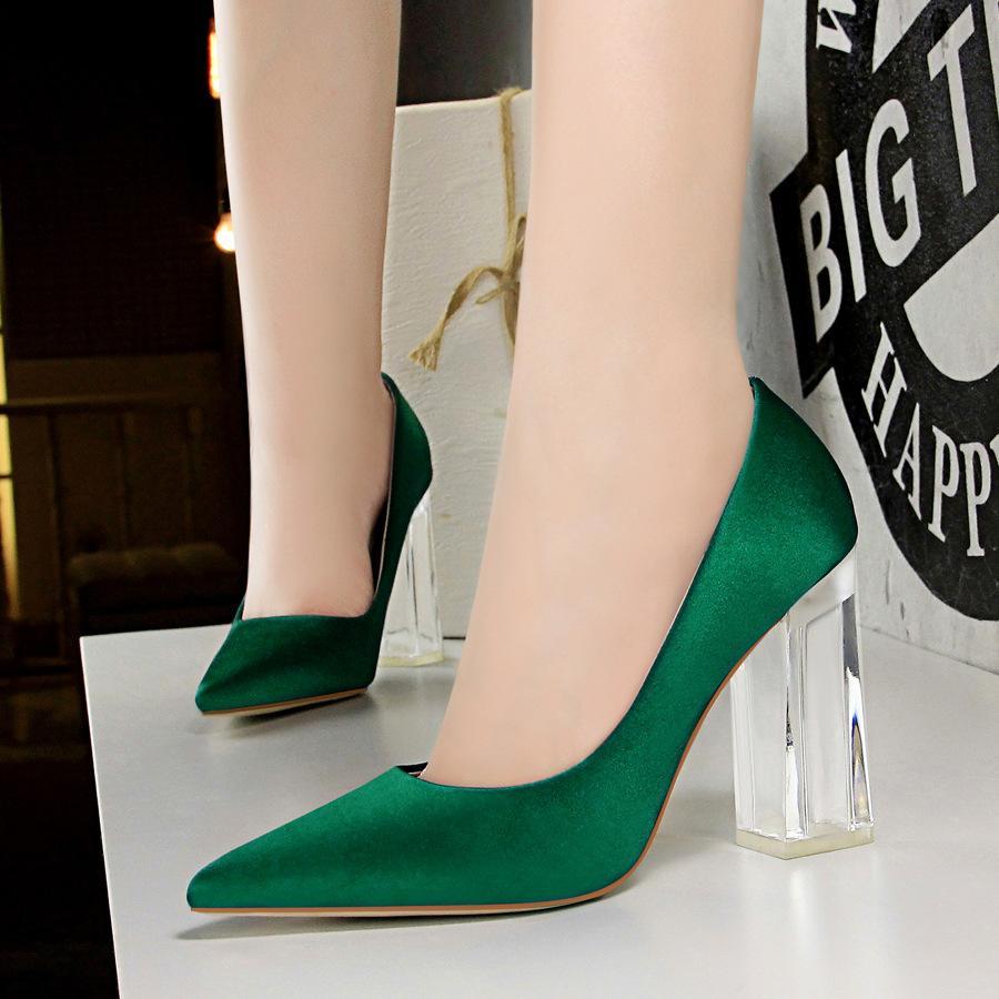 elegante Schuhe dunkelgrün Absatz transparent