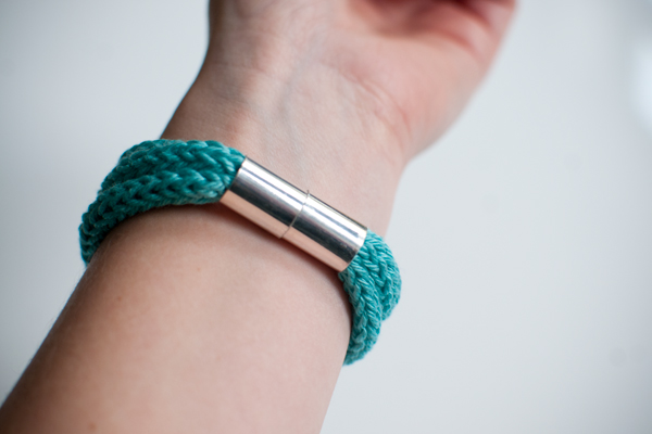 Arnband stricken tolle DIY Idee