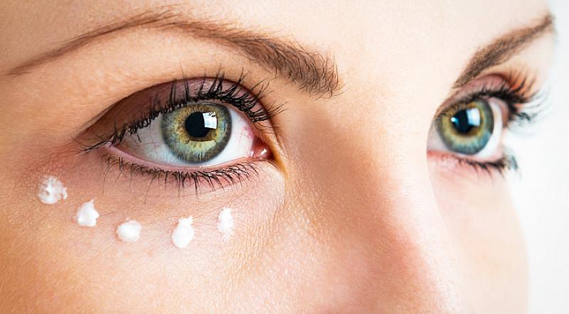 Tränensäcke vermeiden Hautpflege Augencreme