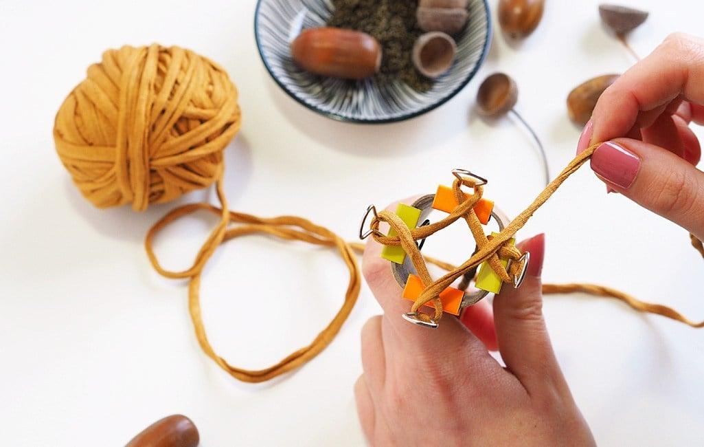 Basteln mit Strickliesel Kordel stricken