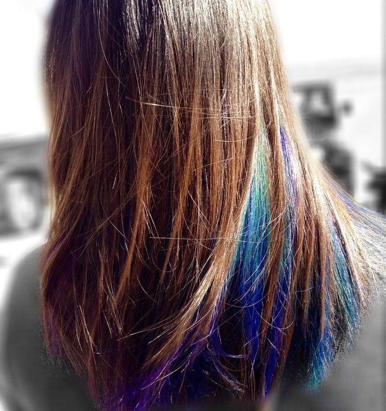 blaue Strähnen trendz Frisuren 2019