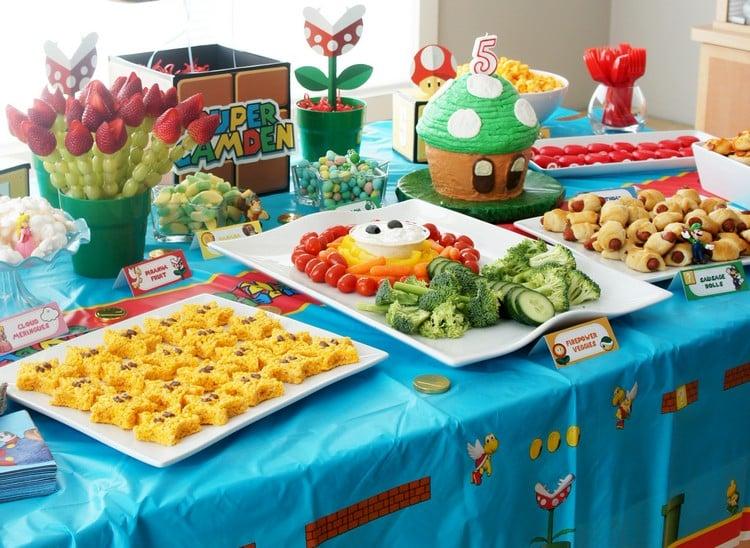 Fingerfood für Kinder Buffet anrichten herrlicher Look