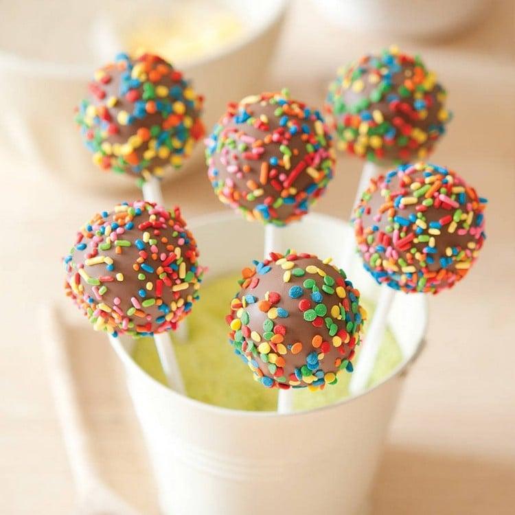 Fingerfood für Kinder Cake Pops mit Schokolade