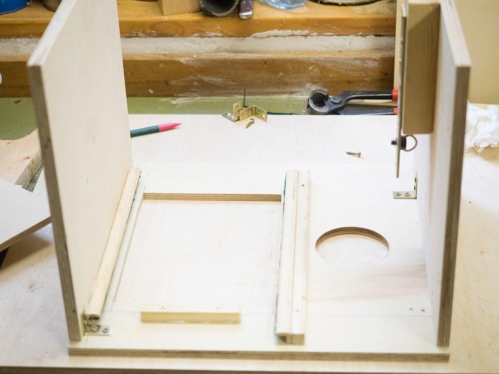 Fotobox selber bauen das Tablet befestigen