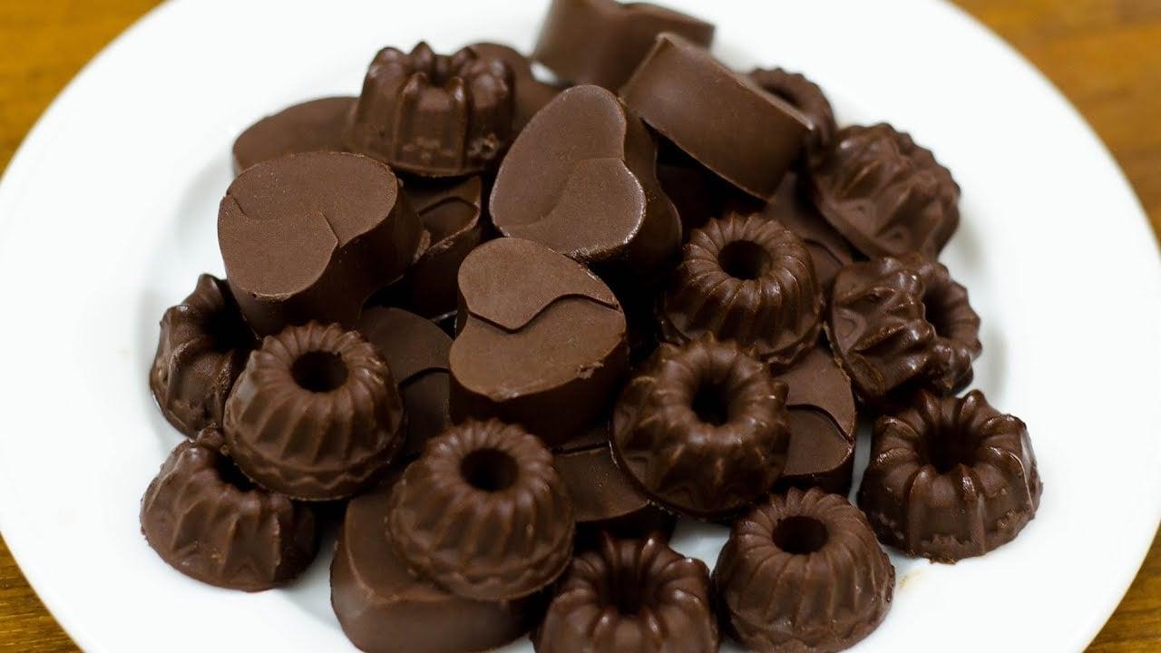 Schokolade zubereiten kleine Backförmchen